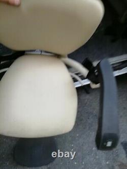 Monte escalier thyssenkrupp fauteuil d'occasion pour pièces