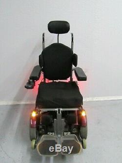 Permobil C400 Pédiatrique Chaise Roulante Inclinaison Pieds Lift & Lights. New