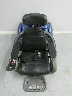 Permobil k450 Chaise Roulante, puissance Inclinaison et Ascenseur Neuf Piles