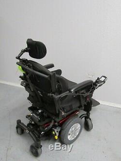 Quantum Bord HD Chaise Roulante, puissance Inclinaison Inclinaison Jambes. 22