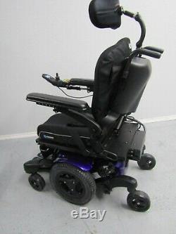 Quickie QM-710 Chaise Roulante, puissance Inclinaison, Legs & LIFT. 17.7km, Comme