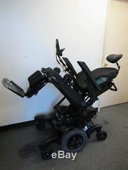 Quickie QM-710 Séries Chaise Roulante avec puissance Inclinaison, Jambes & Lift