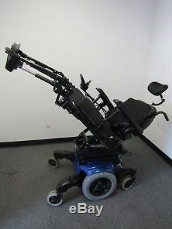 Quickie Qm 710 Chaise Roulante, puissance Inclinaison, Séparé Jambes