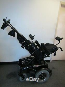 Quickie S646 Se Chaise Roulante avec puissance Inclinaison, Inclinaison et Pieds