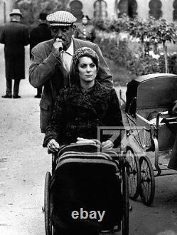 TRISTANA Tournage Luis BUNUEL Catherine DENEUVE Handicap Landau Photo 1970